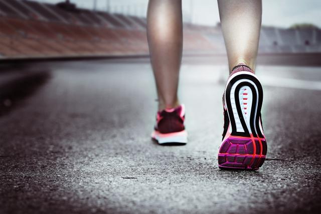 お腹 脂肪 燃焼する歩き方