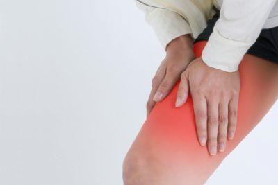 デスクワーク 太腿裏 痛い